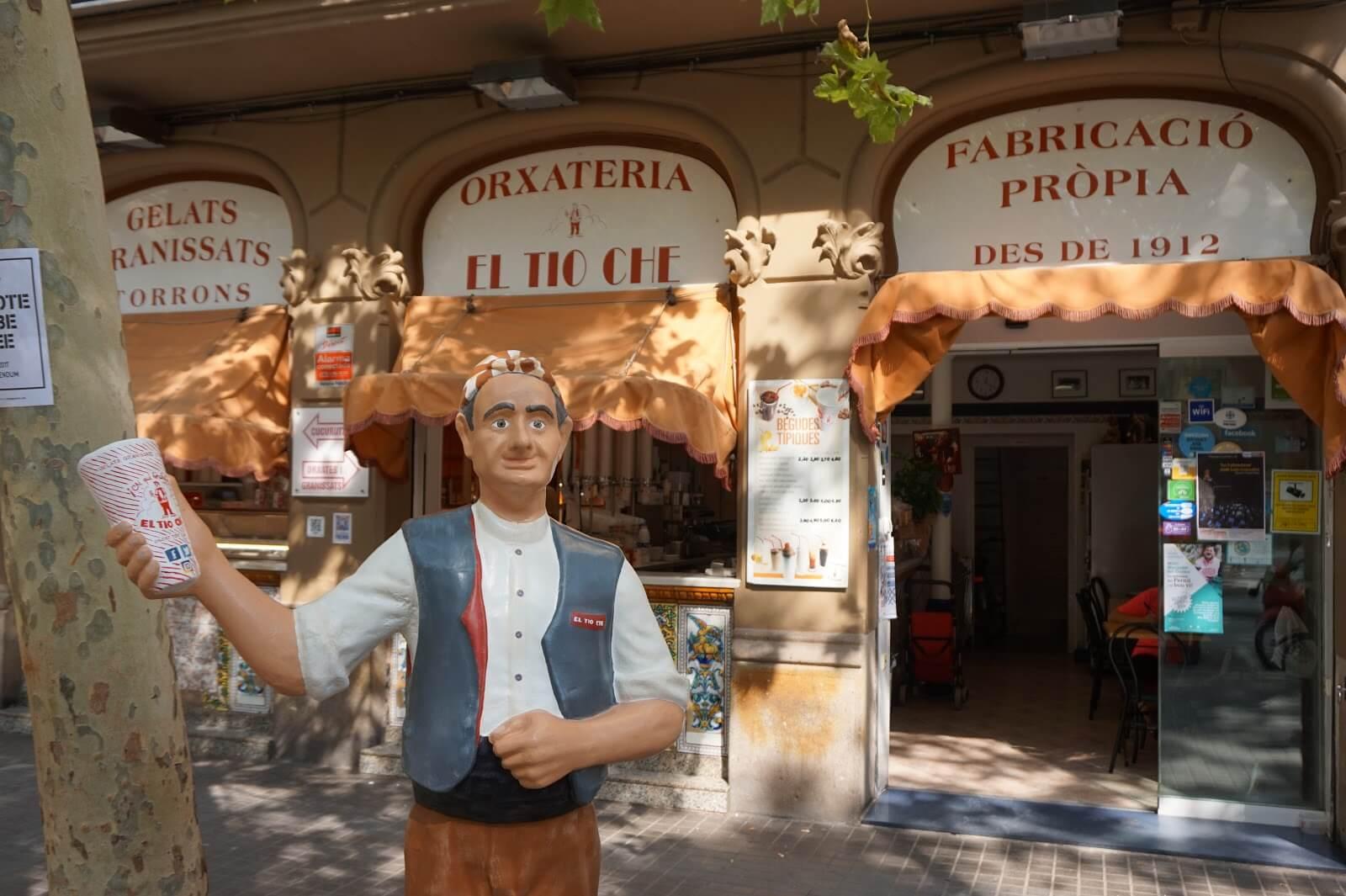 El-tio-che-merendar-en-barcelona